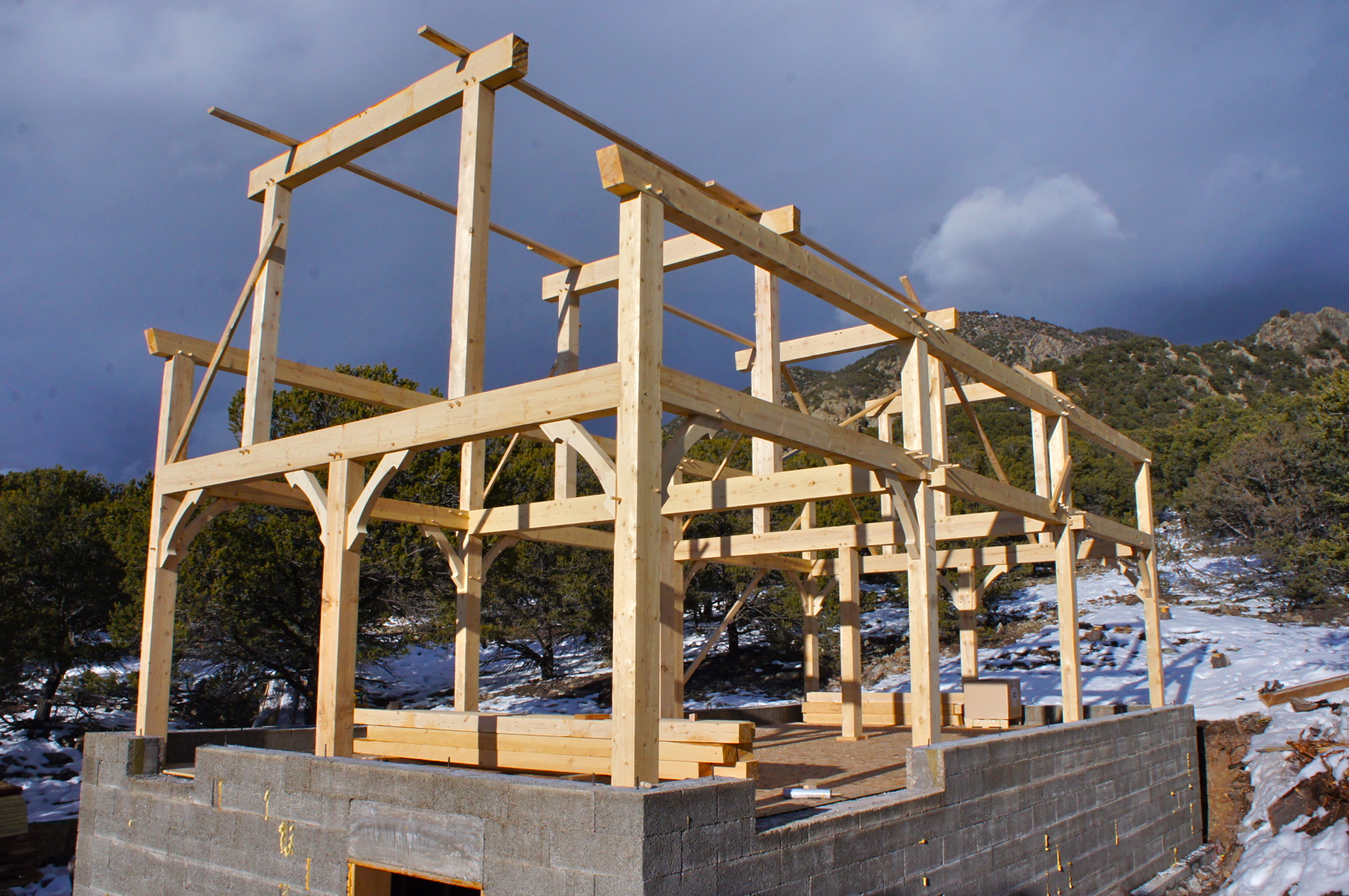 Timber Framed Building : Timber framing smithworks natural homes