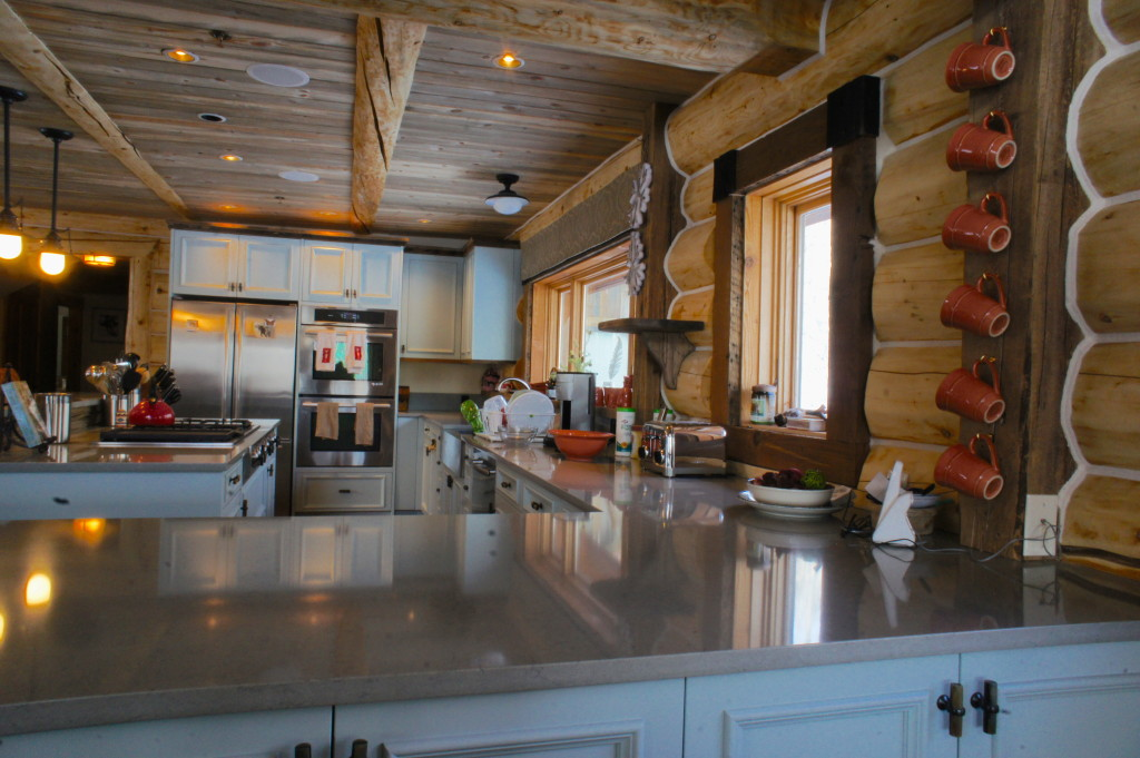 colorado cabin kitchen2